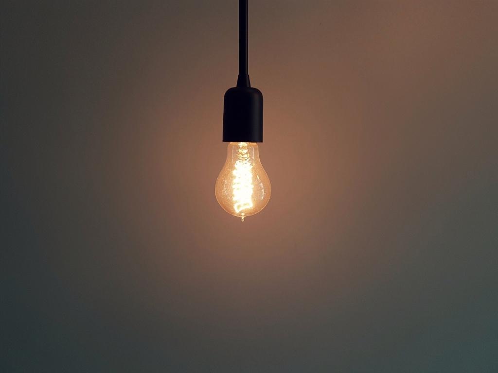 Creșterea explozivă a prețurilor la energie, discutată de liderii europeni