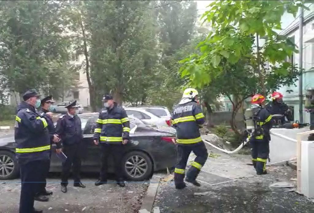 Explozie într-un bloc din Galaţi. Cinci apartamente au ...  |Explozie Galati