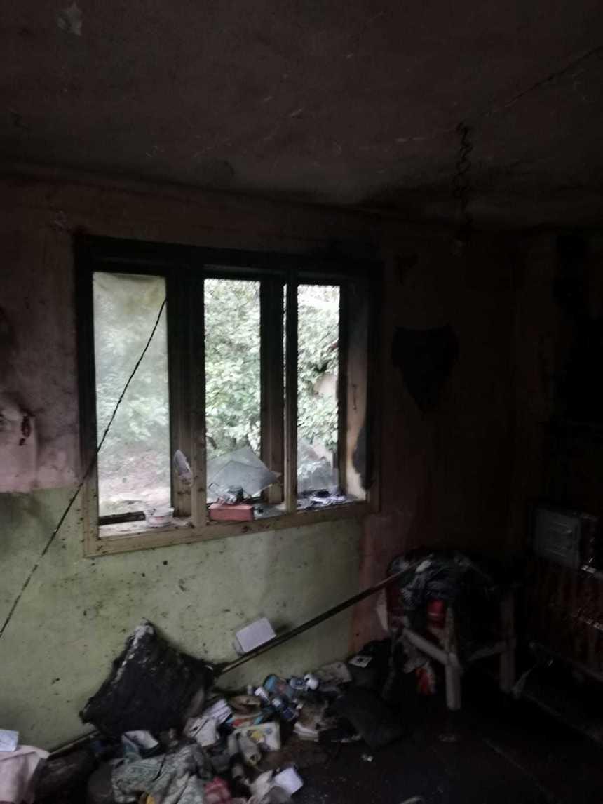 Explozie puternică într-o locuință din județul Vrancea. Două persoane au fost grav rănite