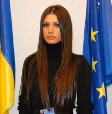 SOFIA RAISA NUMELE FETITEI ELENEI BASESCU, NEPOATA LUI ...  |Elena Basescu