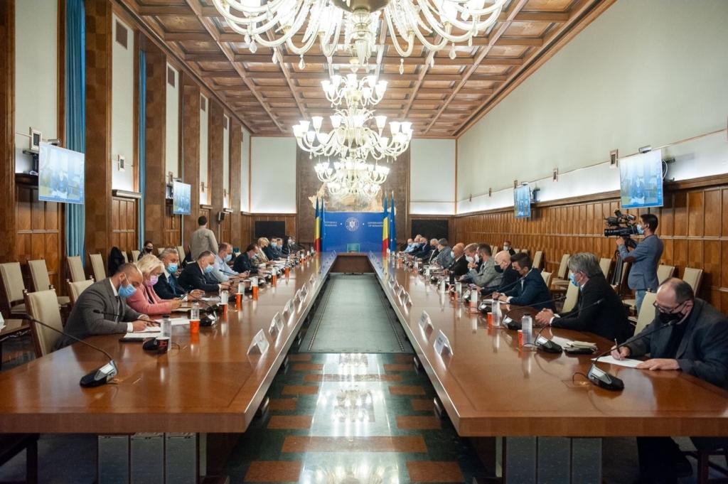 """Vicepreședinte liberal, despre negocierea cu AUR: """"PNL nu va negocia sau coopera în plan guvernamental cu partide extremiste"""""""