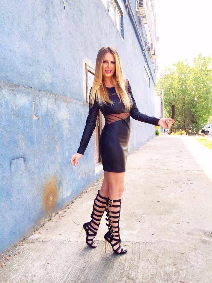 Andreea Banica isi pune pentru prima data lentile de contact - afla pentru cine o face (Foto) | Mobile